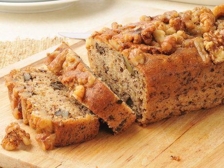 Bake fresh banana bread