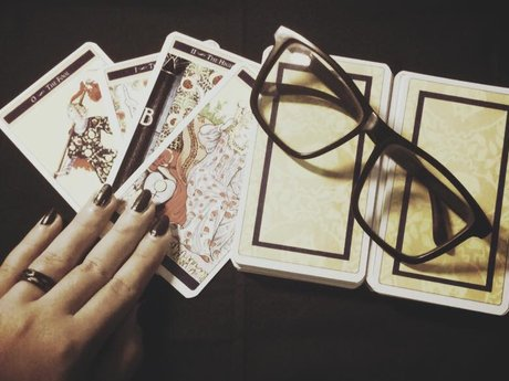 A Tarot-based healing course