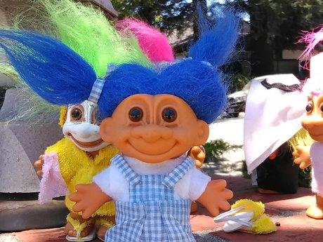 Dorothy troll