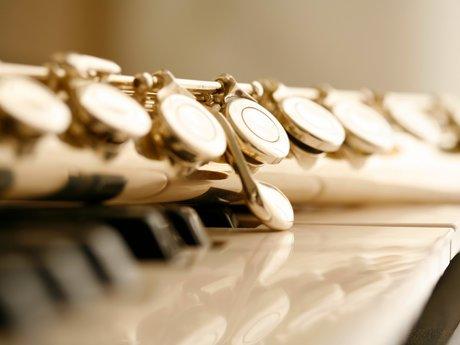 Teach beginning flute