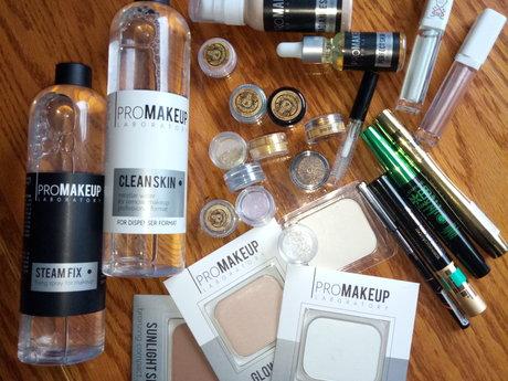 30 mins review your makeup kit
