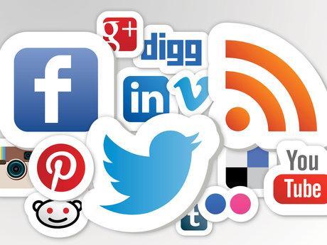 Make social media strategy for you