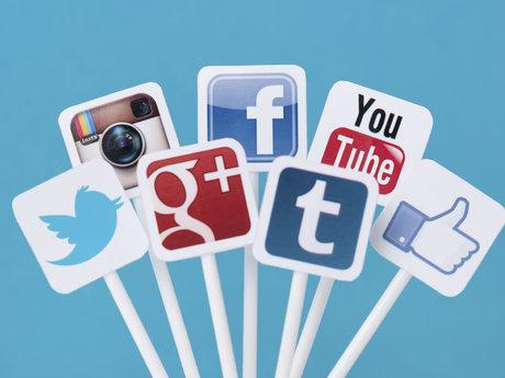 30-minute social media consult