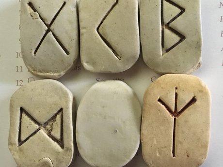 Fly Yogi Rune Readings