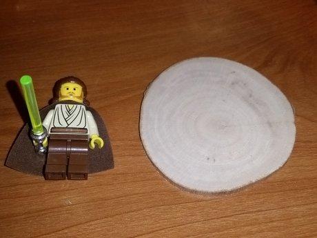 Natural wood disc