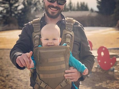 Baby carrier try-on