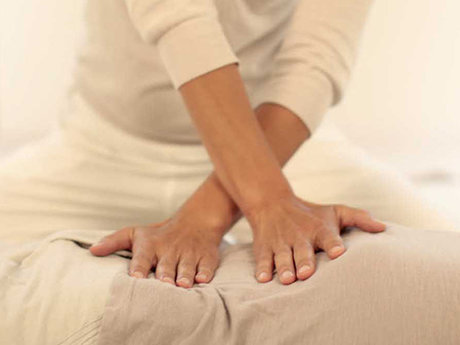 50-minute shiatsu treatment