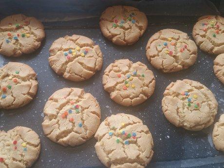 I'll bake you cookies (Any kind)