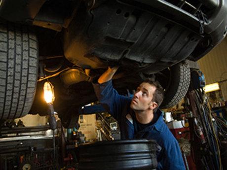 Auto mechanic diagnosis and advice