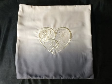 "18"" x 18"" Embroidered Pillow Cover"