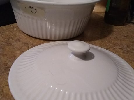 Round Ceramic Serving Ware With Lid