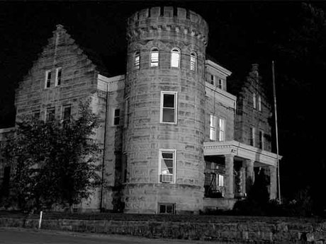 Private haunted placerville tour