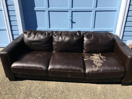 Free leather sofa(s)