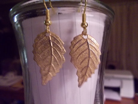 gold tone leaf earrings