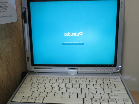 Fujistu Laptop Computer Linux