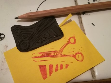 Mini linocut: Scrappy scissors