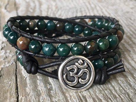 Green bloodstone leather bracelet