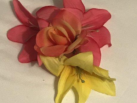 4 fake flowers
