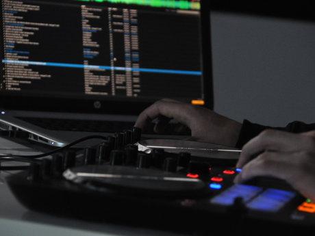 1 Hour DJ Party Mix