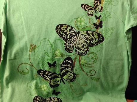 L T-shirt - Gently Used