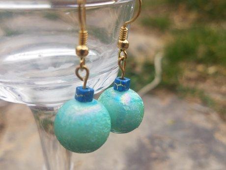 Light blue bead earring