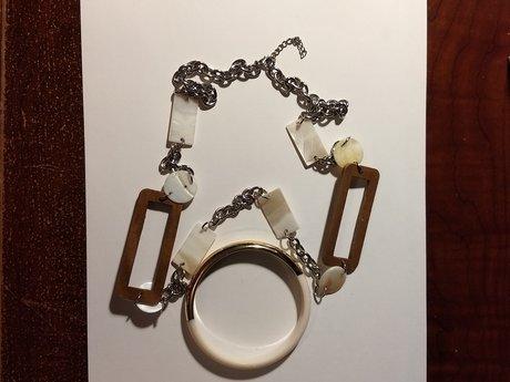 Funky necklace + bracelet
