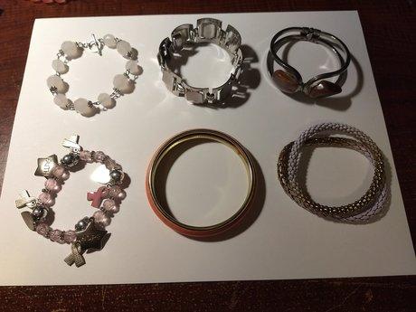 6 Bracelets 30 simbi each