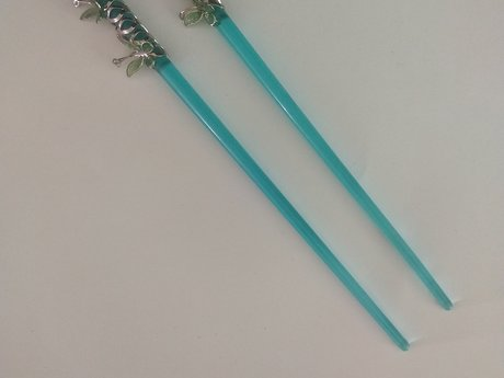 Butterfly hair chopsticks