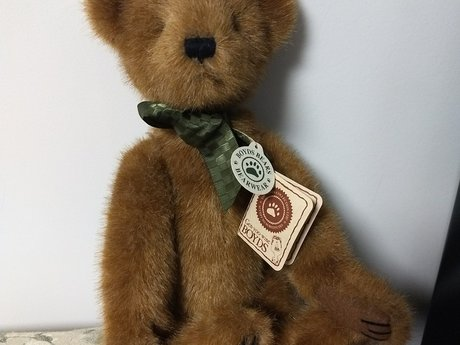 Collectible Boyd's Bear NWT