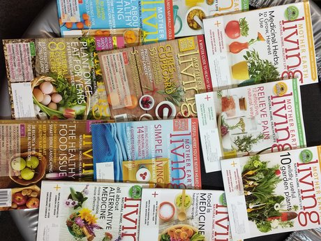 11 Mother Earth Living Magazines
