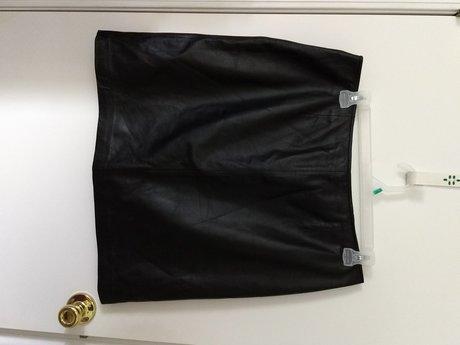 Apostrophe Leather Skirt Sz 18