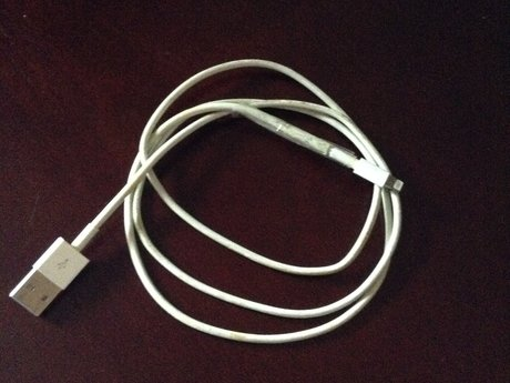 Apple phone or iPod charger