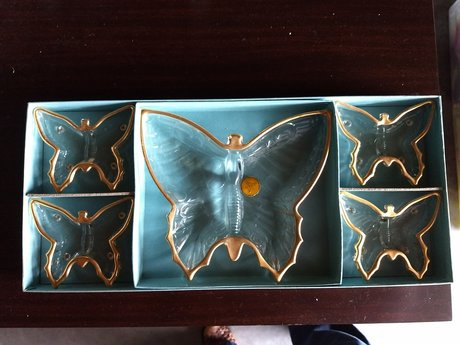 5 butterfly dishes