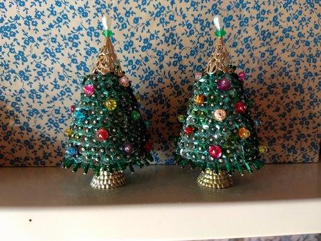 2 little Christmas Trees