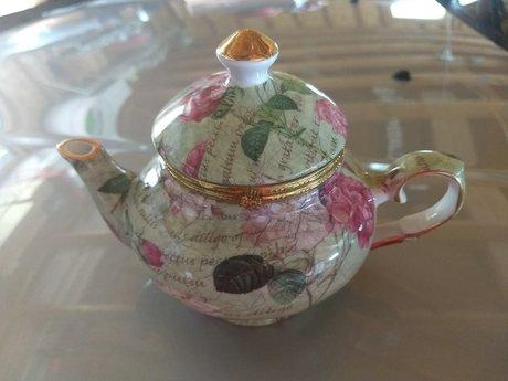 Delightful Tea Pot