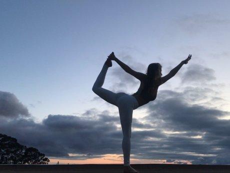 Alignment-based Vinyasa/Hatha Yoga