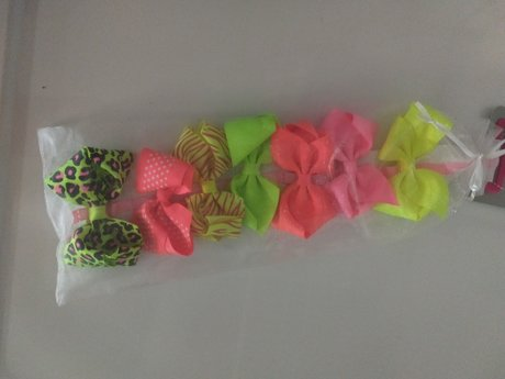 7 Bows, NEW with tag