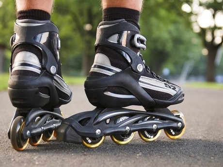 Teach You To Rollerblade!