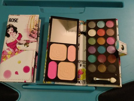 Little Make Up Kit