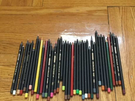 40 Colored pencils