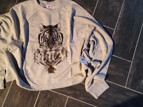 Juicy Sweatshirt Large Gently used