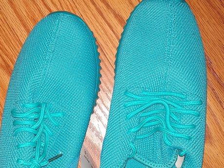 Women's Sneakers - Size 10