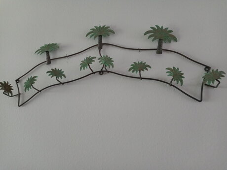 Metal Palm Tree Decor