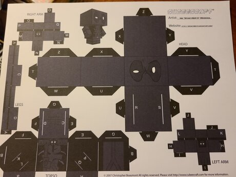 Papercraft Dark Gray Deadpool