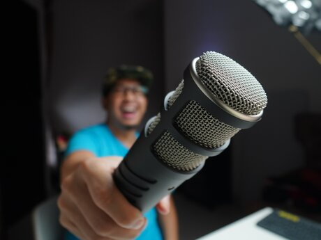 Voice Over up to 10m (ENG/ES/PT)
