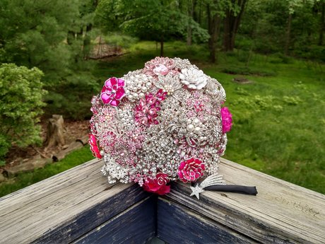 Wedding brooch bouquets for rental!