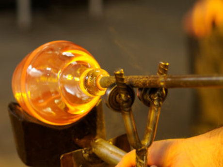 Glass art, glassblowing lessons