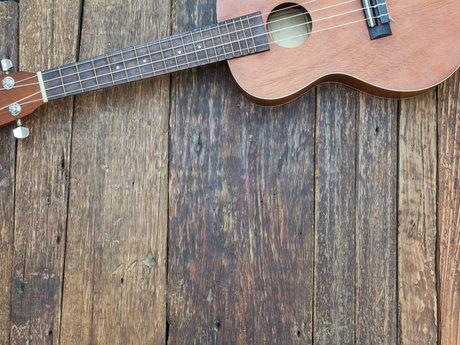 Learn how to play the uke