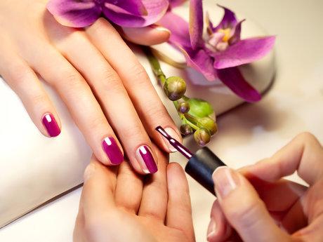 Hour Full Manicure w/o Design