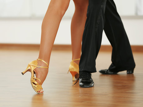 1 hour Ballroom Dance Lesson